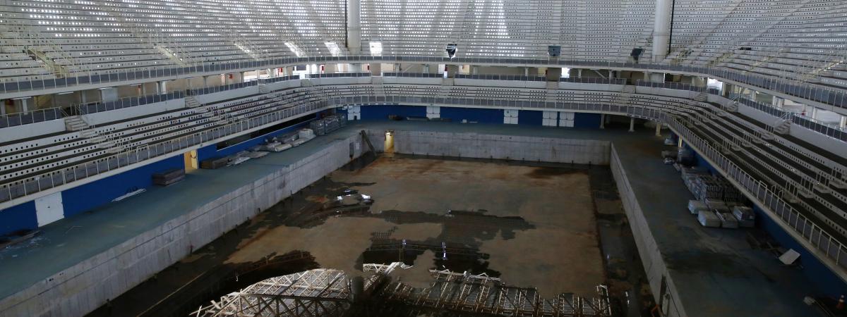 Scandaleux seulement six mois apr s les j o qui ont - Piscine du stade olympique ...