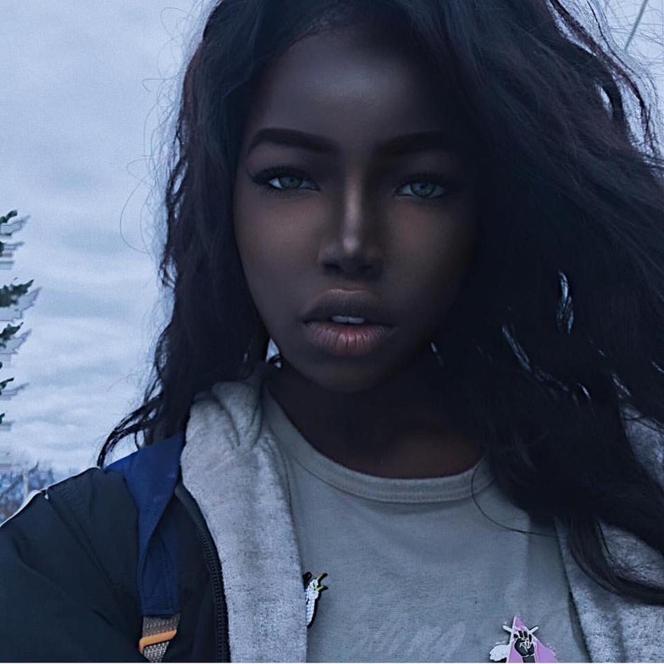 Belle jeune fille noire