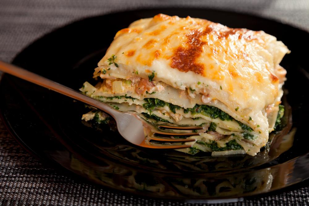 d couvrez la d licieuse recette des lasagnes au saumon au fromage et aux pinards vous allez. Black Bedroom Furniture Sets. Home Design Ideas