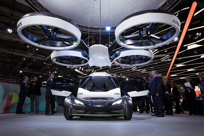 avec pop up sa voiture volante lectrique et autonome airbus rentre dans la course des. Black Bedroom Furniture Sets. Home Design Ideas