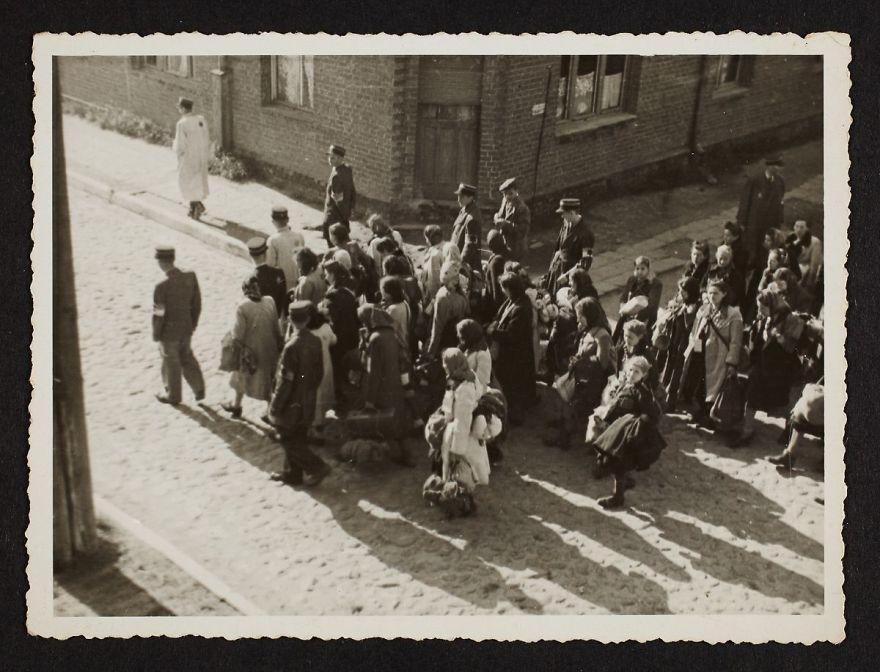 La vie horrible des Juifs Polonais dans le ghetto de Lodz ! Par Jérémy B.  11
