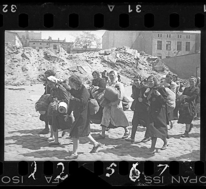 La vie horrible des Juifs Polonais dans le ghetto de Lodz ! Par Jérémy B.  4
