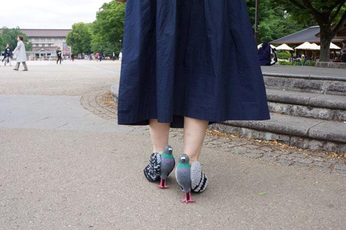 Pour ne plus faire peur aux pigeons cette femme a d cid de se cr er une paire de chaussures - Faire peur aux oiseaux jardin ...