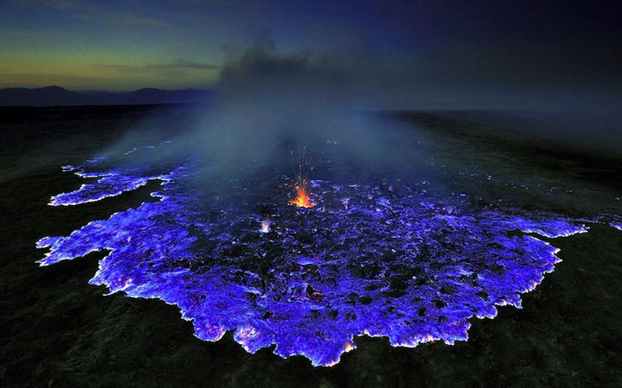 indonesie lincroyable spectacle du volcan kawah ijen
