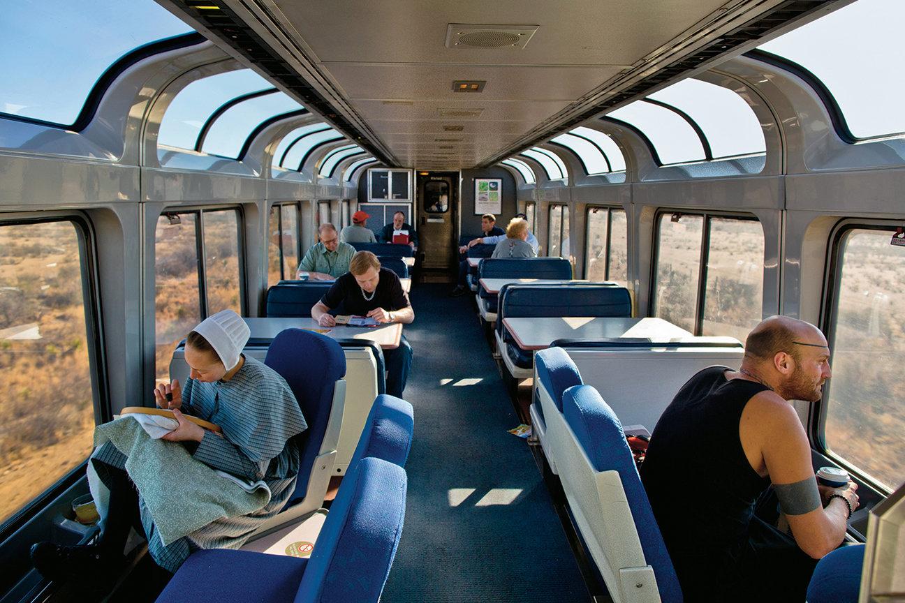 Pour Seulement 200 Euros Ce Train Vous Fait Traverser Les