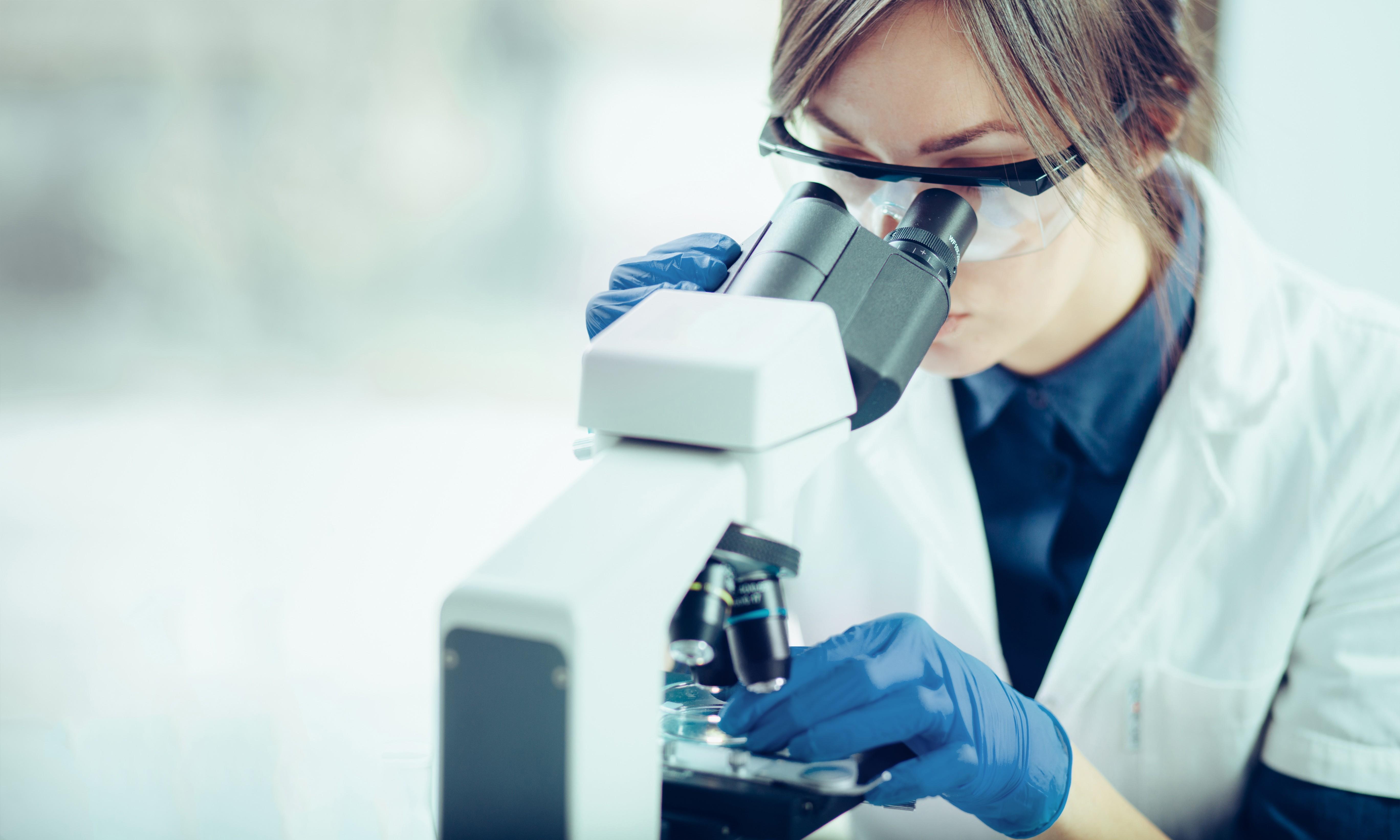 Des chercheurs pensent pouvoir pousser les cellules cancéreuses à s'autodétruire Laboratoire%20-%20De%20Likoper