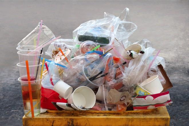 Les plastiques à usage unique en passe d'être interdits dans l'UE