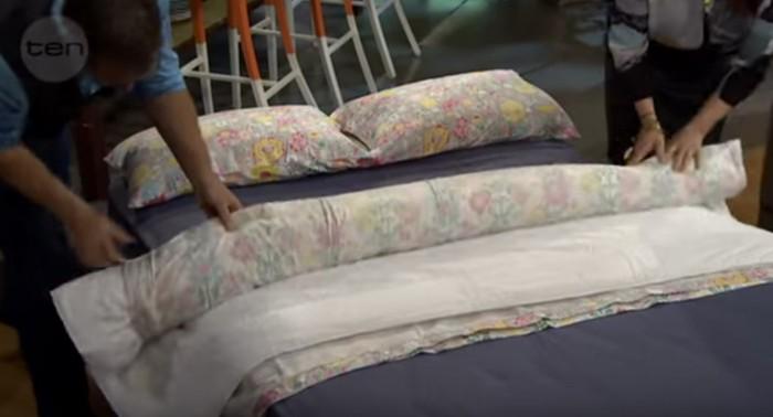 l 39 astuce qui va changer votre vie enfiler votre couette dans vos draps de lit en moins d 39 une. Black Bedroom Furniture Sets. Home Design Ideas