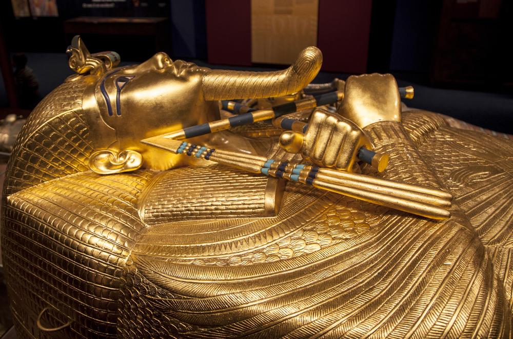 Egypte: Un sarcophage ouvert en direct à la télévision, une première