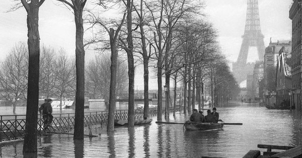 14 photos incroyables de la grande crue centennale de la Seine à Paris en 1910... Quand la capitale était littéralement inondée !