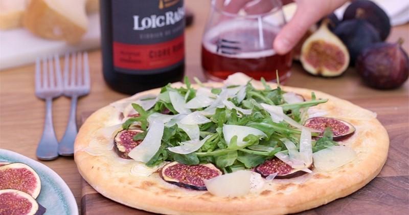 Cédez au mélange sucré salé de notre pizza à la figue et à l'Ossau Iraty !