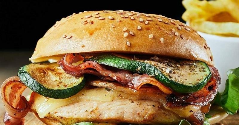 Pour la Saint-Valentin, HD Dinner proposera des burgers gratuits pour les célibataires !