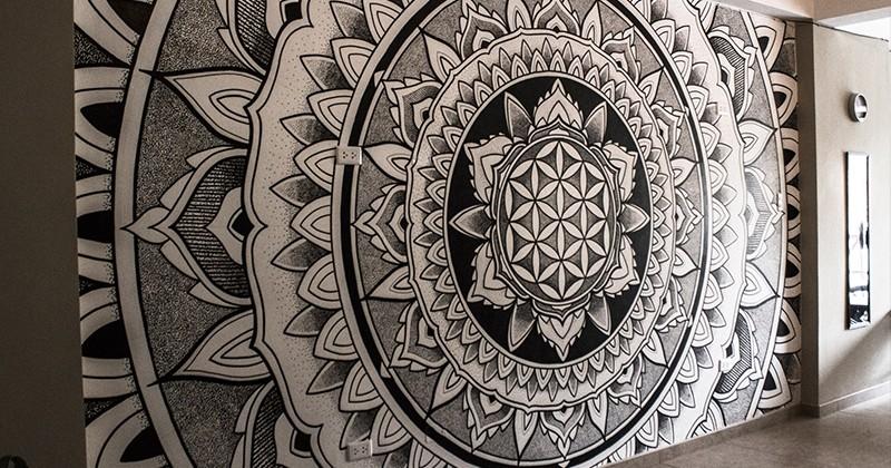 Un splendide mandala réalisé par un artiste aux doigts de fée !