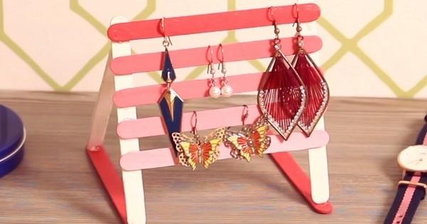 Arr tez de perdre vos bijoux et r alisez un porte boucles - Fabriquer un porte boucle d oreille ...