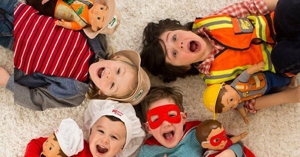 Cette mère a créé des poupées... pour les garçons ! Tout simplement génial
