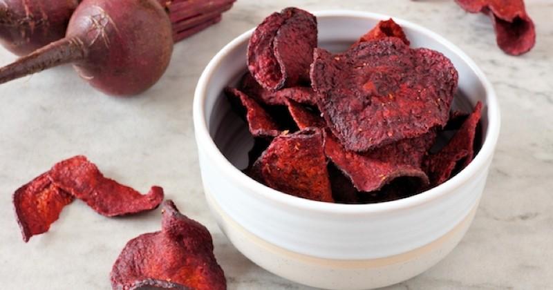 Craquez pour ces chips totalement healthy à la betterave !