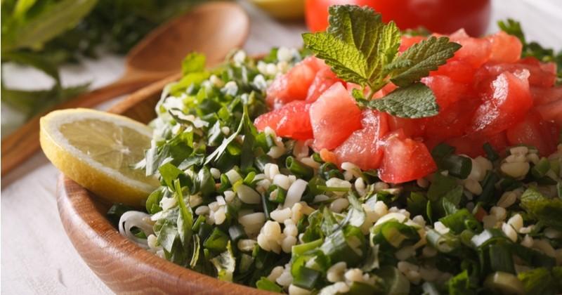 Préparez rapidement un savoureux tabouleh libanais, l'incontournable des pique-niques