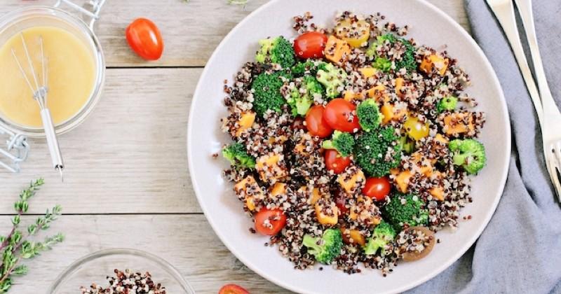 salade de quinoa à la patate douce et brocolis