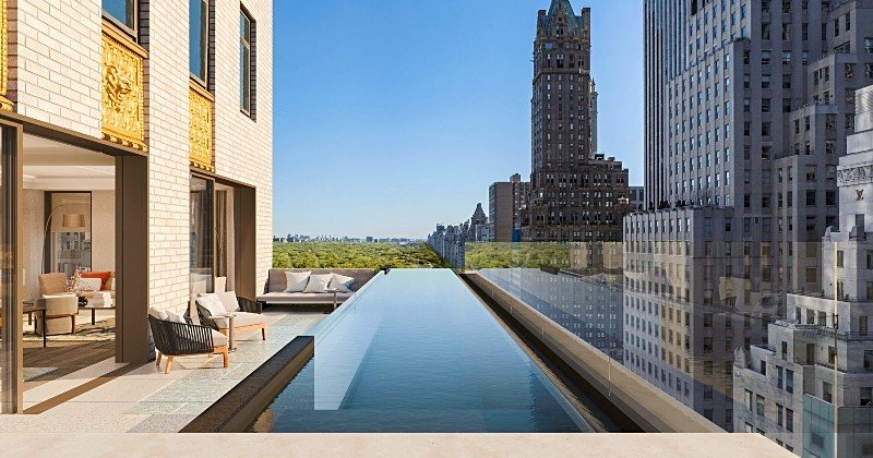New York : découvrez l'incroyable piscine suspendue de ce futur hôtel et sa vue imprenable sur Central Park