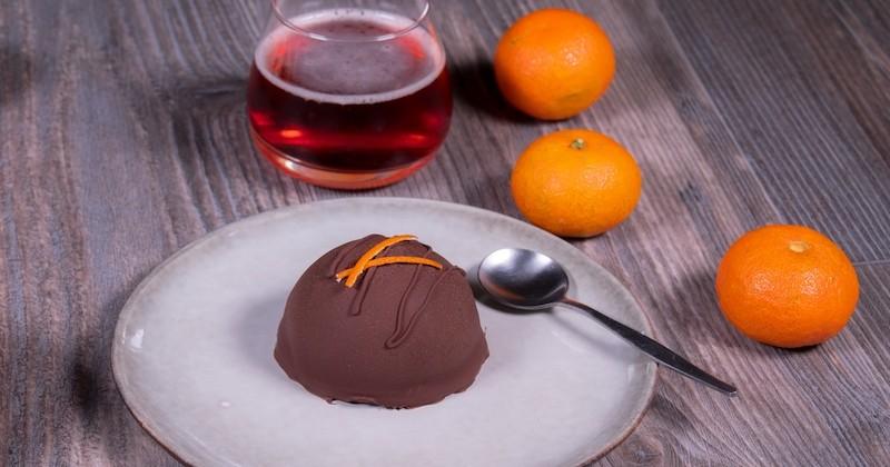 Découvrez le dôme au chocolat et sorbet clémentine au cœur coulant de chocolat noir, quel délice !