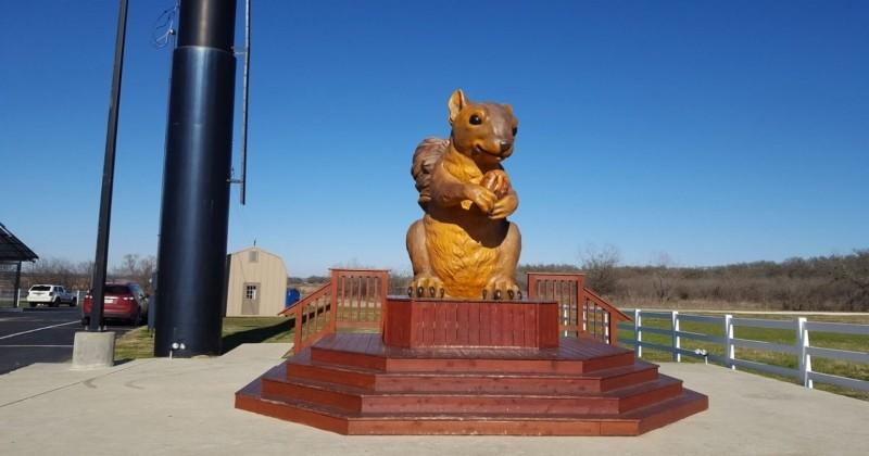 Au Texas, on peut admirer la plus grande statue d'écureuil du monde !