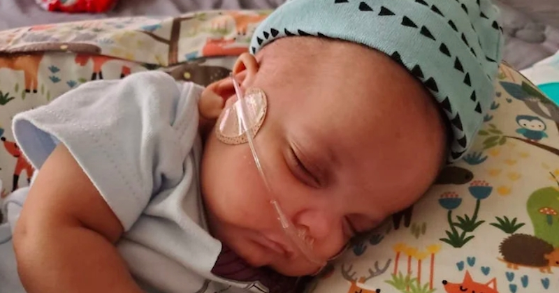Né à 23 semaines, ce bébé prématuré rentre à la maison après 133 jours d'hospitalisation