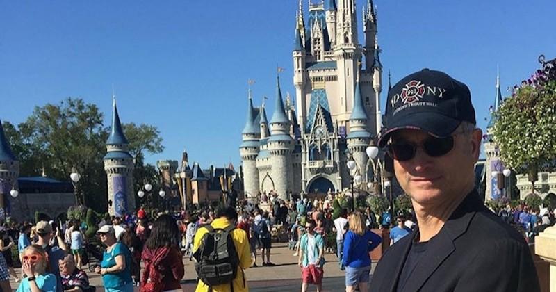 Un acteur offre à 1000 enfants de soldats tombés au combat une sortie à Disneyland