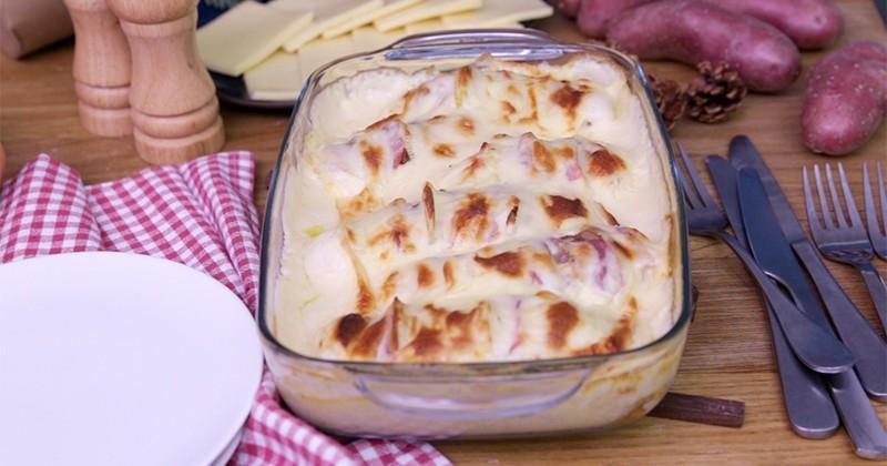 Osez la gourmandise des patates hasselback en gratin à la raclette!