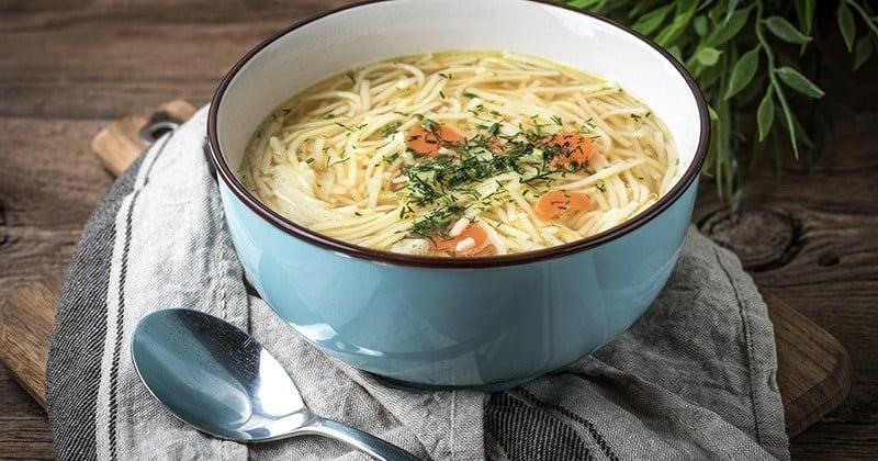 Réchauffez-vous avec nos 15 idées de soupe pour cet hiver