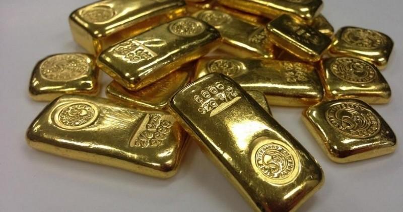 À Vannes, un habitant commande un maillot de bain et reçoit... des lingots et des Louis d'or !