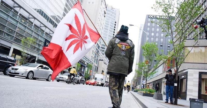 Le Canada légalise officiellement le cannabis récréatif