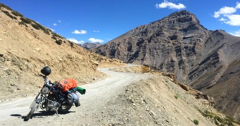 En 77 jours, il a parcouru 11 000 kilomètres sur sa moto à travers l'Inde et ses photos donnent envie de faire pareil