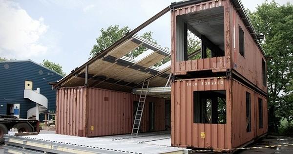Ces jolies maisons 100% écologiques et solides ont été réalisées avec de simples conteneurs : l'avenir sera écolo !