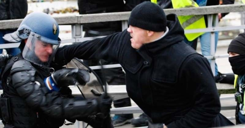 La cagnotte lancée pour les blessés des forces de l'ordre dépasse largement celle de l'ancien boxeur