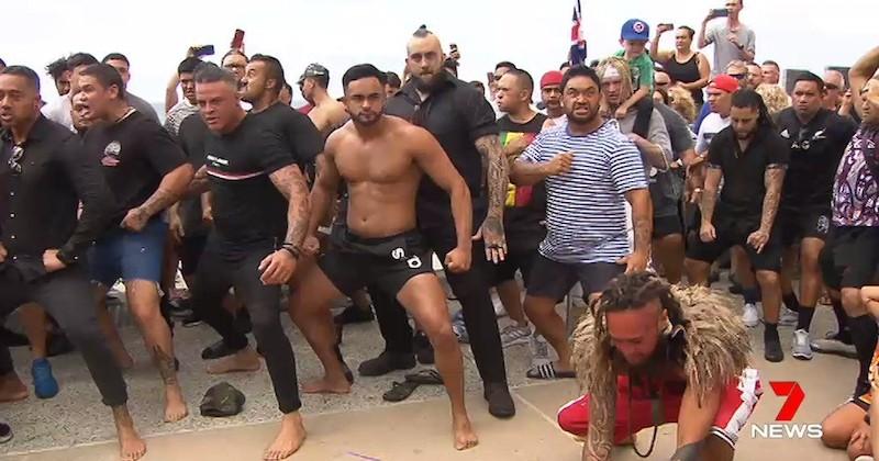 Attentat de Christchurch : des habitants dansent le haka pour rendre hommage aux victimes