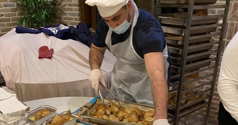 Lille : un restaurateur ouvre son établissement pour accueillir les sans-abri, victimes du froid