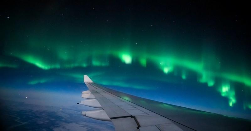 Vous aimez les aurores boréales ? Une compagnie aérienne propose un vol pour en observer pendant 4 heures