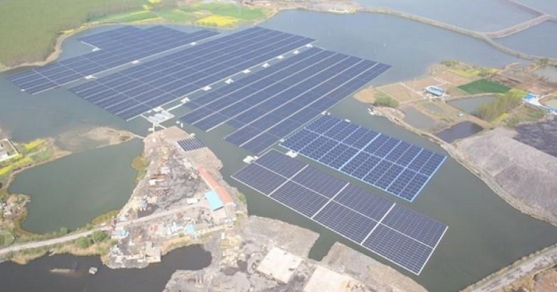 Alors que les États-Unis reculent face à leurs responsabilités climatiques, la Chine vient d'inaugurer la plus grande centrale solaire flottante du monde !