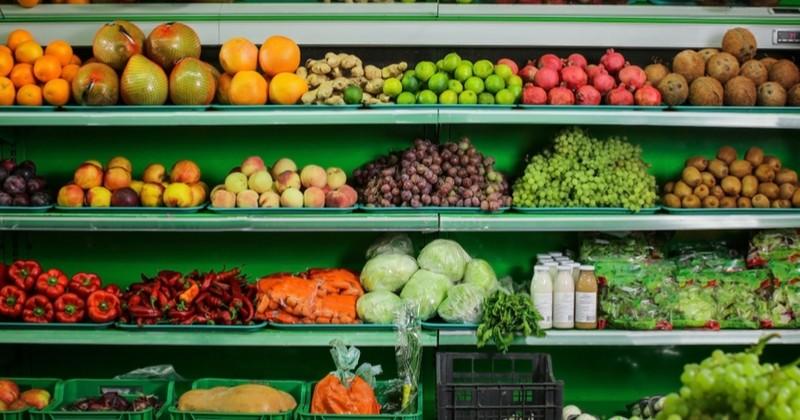 Faites le tri entre les aliments que vous pouvez manger après leur date de péremption et ceux qu'il faut jeter !