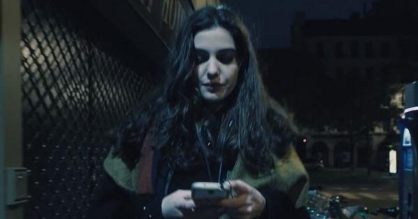 « Au bout de la rue » : un court-métrage poignant sur le harcèlement de rue, à voir absolument