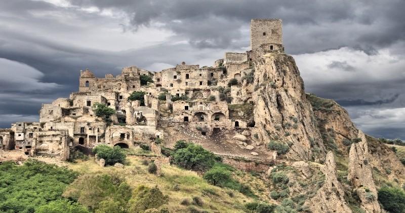 Sinistres ou impressionnants, voici les 21 endroits abandonnés les plus fous du monde !