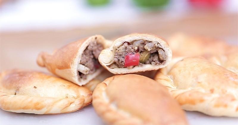 Réalisez de délicieux empanadas dorés au four et farcis avec du bœuf épicé!
