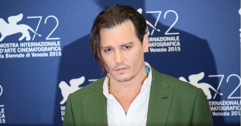 Johnny Depp perd son procès en diffamation contre The Sun qui le qualifiait de « frappeur d'épouse »