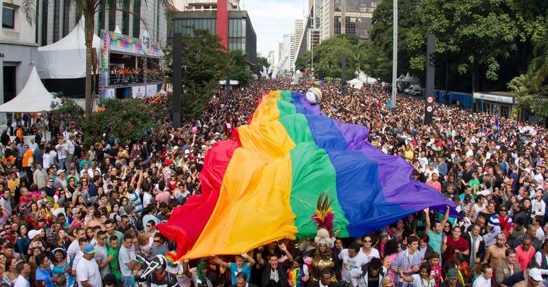 Brésil : l'homosexualité est désormais reconnue par la justice comme une « maladie à soigner »