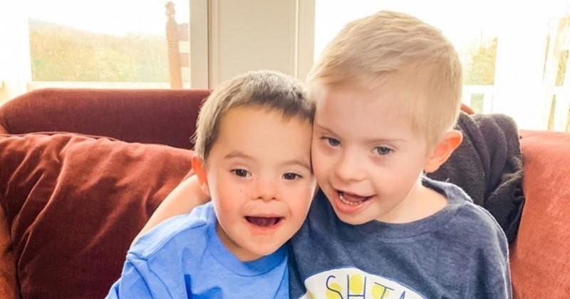 Ces deux frères atteints de trisomie 21 sont inséparables
