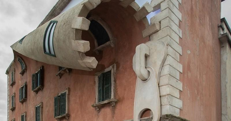 À Milan, un artiste britannique crée une fermeture éclair géante sur la façade d'un bâtiment historique