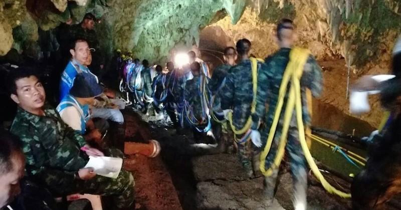Thaïlande : Coincés 9 jours dans une grotte, 12 enfants et leur coach ont enfin été retrouvés vivants