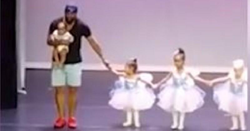 Sa fille de deux ans panique en plein spectacle de danse, il monte sur scène pour faire la chorégraphie avec elle