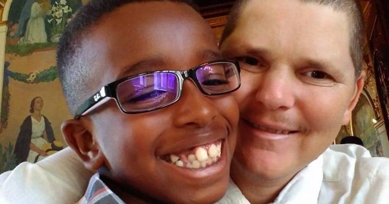 Il lance un appel à l'aide sur les réseaux sociaux pour l'anniversaire de son fils autiste et reçoit des lettres du monde entier