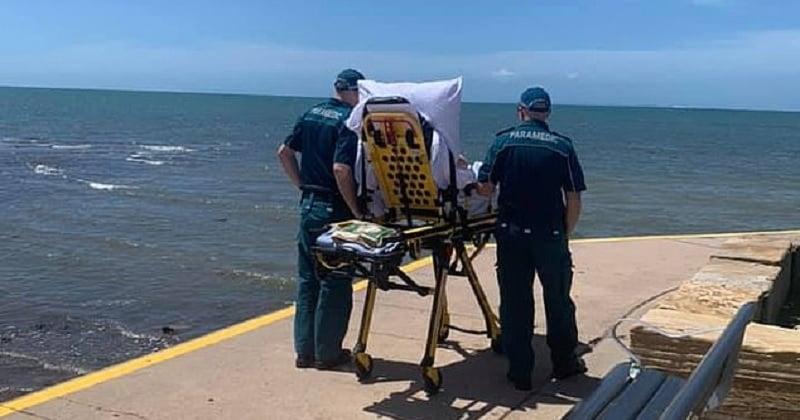 Des ambulanciers réalisent le dernier souhait d'un patient en l'amenant voir l'océan une dernière fois